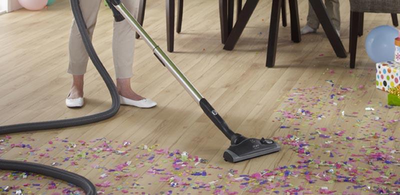 Pulire casa con l'aspirapolvere centralizzato ed eliminare sporco, polveri e acari